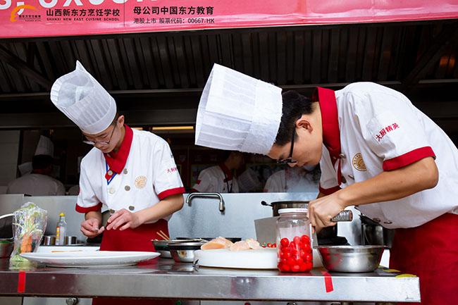中高考之后选择学厨师,你的未