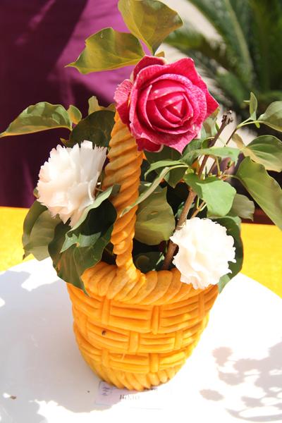 萝卜雕玫瑰花花视频_食品雕刻玫瑰花图片_食品雕刻玫瑰花图片下载