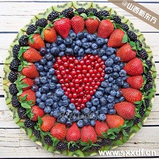 圣诞节水果拼果盘-水果拼盘